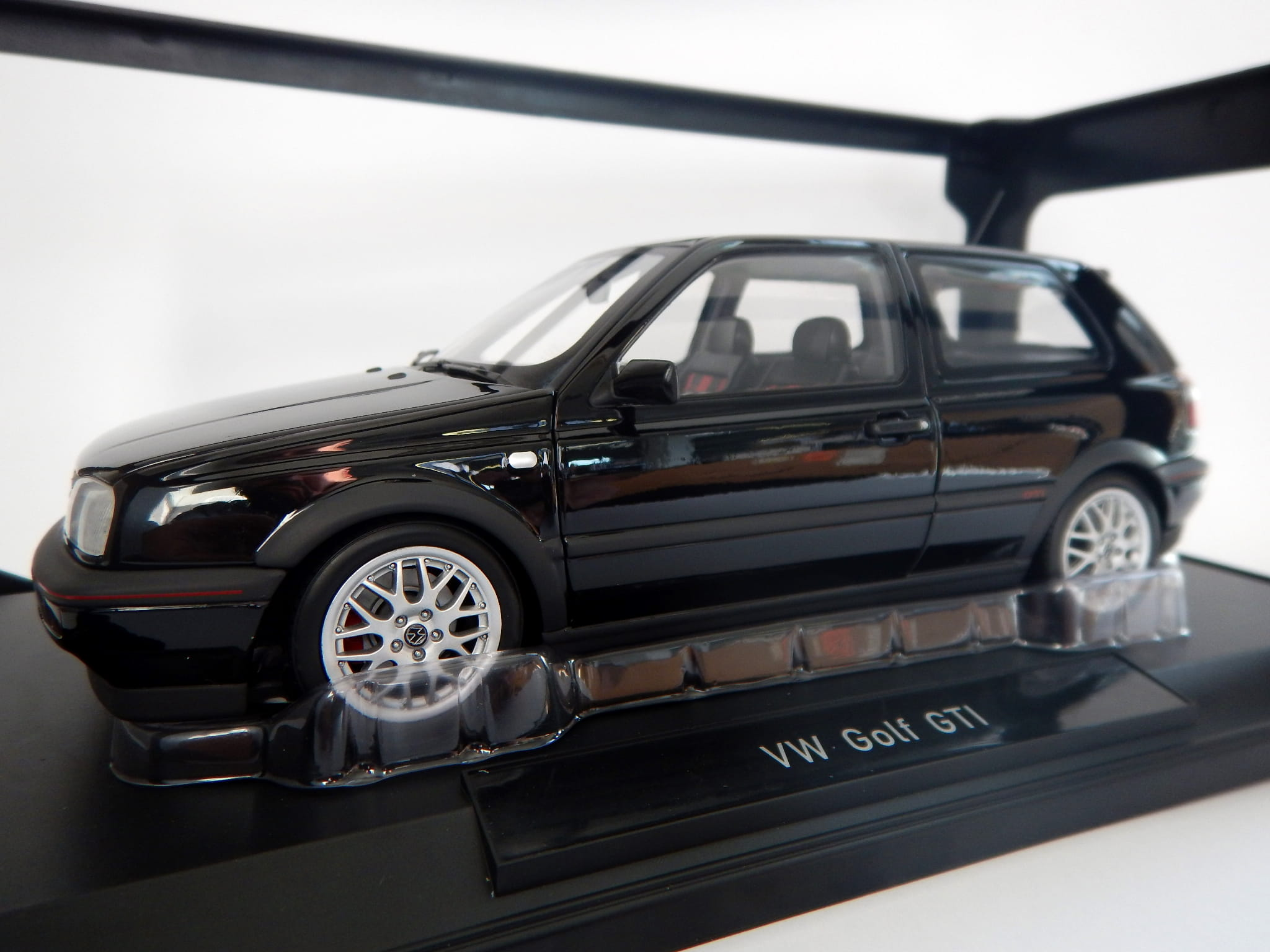 model norev vw golf 3 iii gti skala 1 18 volkswagen. Black Bedroom Furniture Sets. Home Design Ideas
